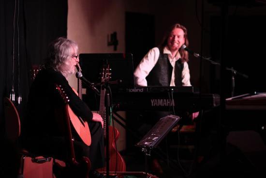 Giltrap and Wakeman Ravens amp Lullabies Tour 2012